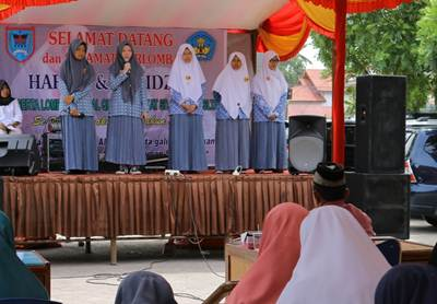 Lomba Tahfiz Alquran antar siswa se-Kota Payakumbuh di halaman Kantor Dinas Pendidikan