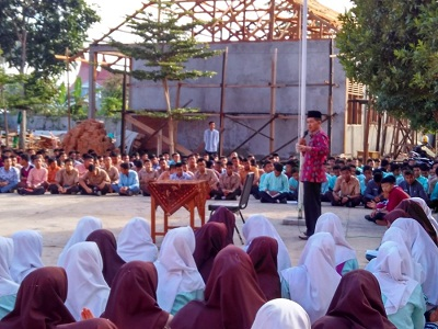 Kakankemenag Kota Payakumbuh Asra Faber muhadarah di SMAN 4 Payakumbuh