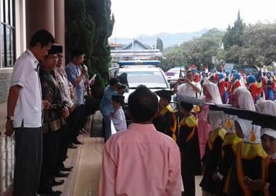 Wakil Ketua DPRD Suparman Sambut Kehadiran Peserta Khatam Alquran