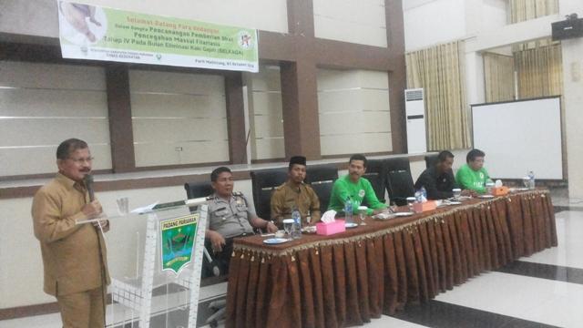 Bupati Ali Mukhni mengatakan siap sukseskan program Nusantara Sehat dari Kemenkes yang dipusatkan  di Puskesmas Sikucur saat pencanangan pemberian obat filariasis di Aula Ikk parit malintang, Senin (3/10).