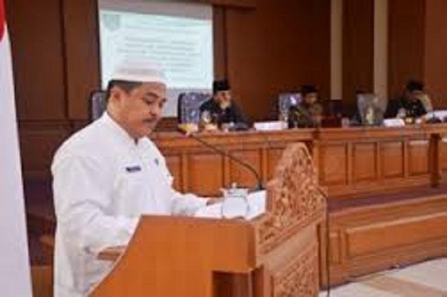 Wako Bacakan Jawaban Pandangan Umum Fraksi-Fraksi DPRD Terhadap Nota Penjelasan Rancangan Perubahan