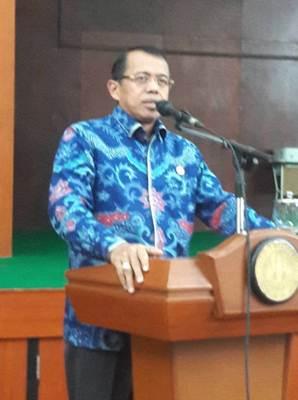 Rektor UNP Kumpulkan Para Instruktur PLPG, Rabu (12/10) di Gedung Serbaguna Fakultas Teknik.