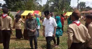 Kadis Pendidikan Payakumbuh Hasan Basri sy.S.Pd bersama  Kepala Dinas Pendidkan Sumbar meninjau tapak perkembangan  peserta pekan kreativitas ABK ke VI PLB Rayon I Sumbar di  Payakumbuh