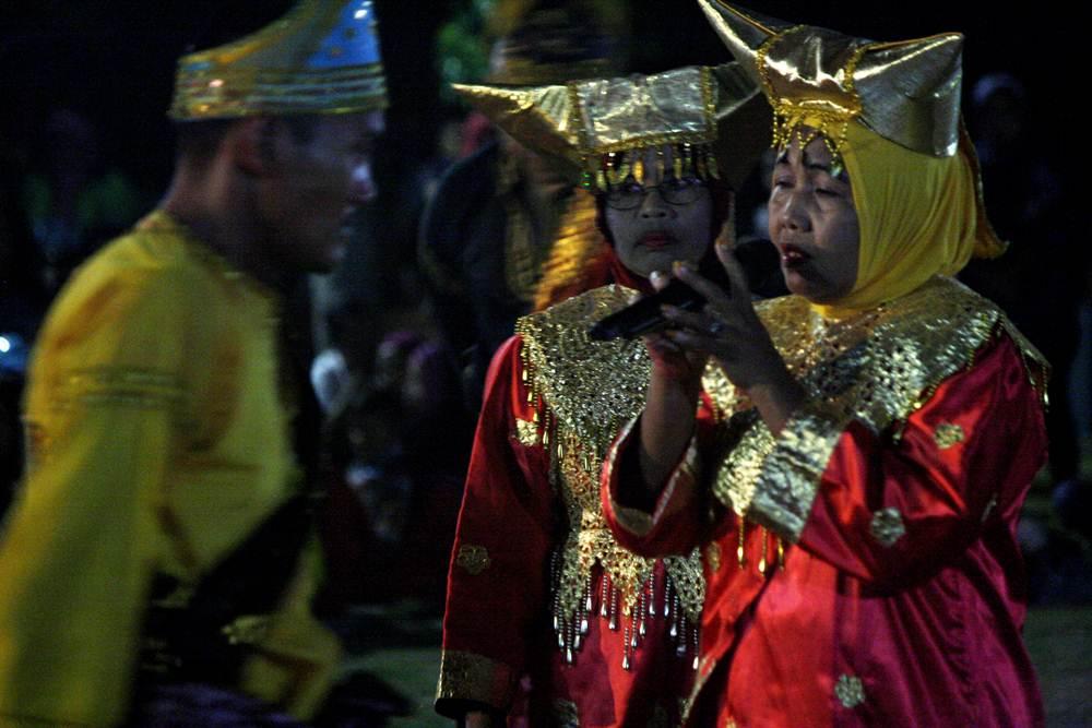 Penampilan Randai dalam Payakumbuh Bagodang 2016