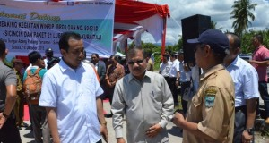 Bupati Ali Mukhni Berdialog Dengan Kepala Badan Pertanahan Pada salah satu acara