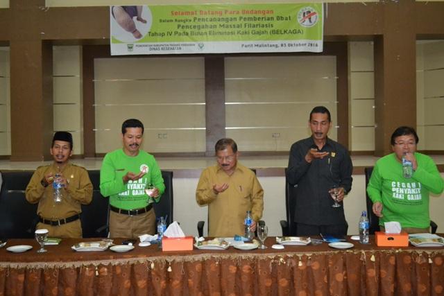 Bupati Ali Mukhni Beserta Jajarannya Pencanangan Filariasis minum obat serentak