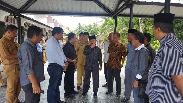 Bupati Ali Mukhni Berdiskusi Tentang Pekerjaan Proyek Di Pemkab Padangpariaman