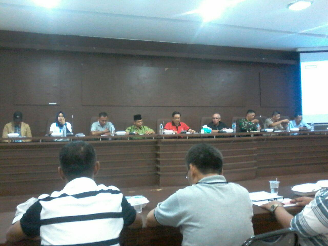 Plt. Walikota Payakumbuh, Priadi Syukur di depan pengurus Cabor, KONI, dan jajaran Disparpora mengingatkan soal makan atlet pada Porprov Sumbar
