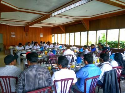 Walikota Payakumbuh, Priadi Syukur didampingi Asisten II Amriul, Asisten III Iqbal Bermawi, dan Kabag Humas Jhon Kenedi saat jumpa pers dengan wartawan Luak 50