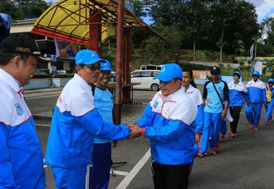 Dilepas Walikota, 490 Atlet  dan Ofisial Payakumbuh Menuju Medan Laga