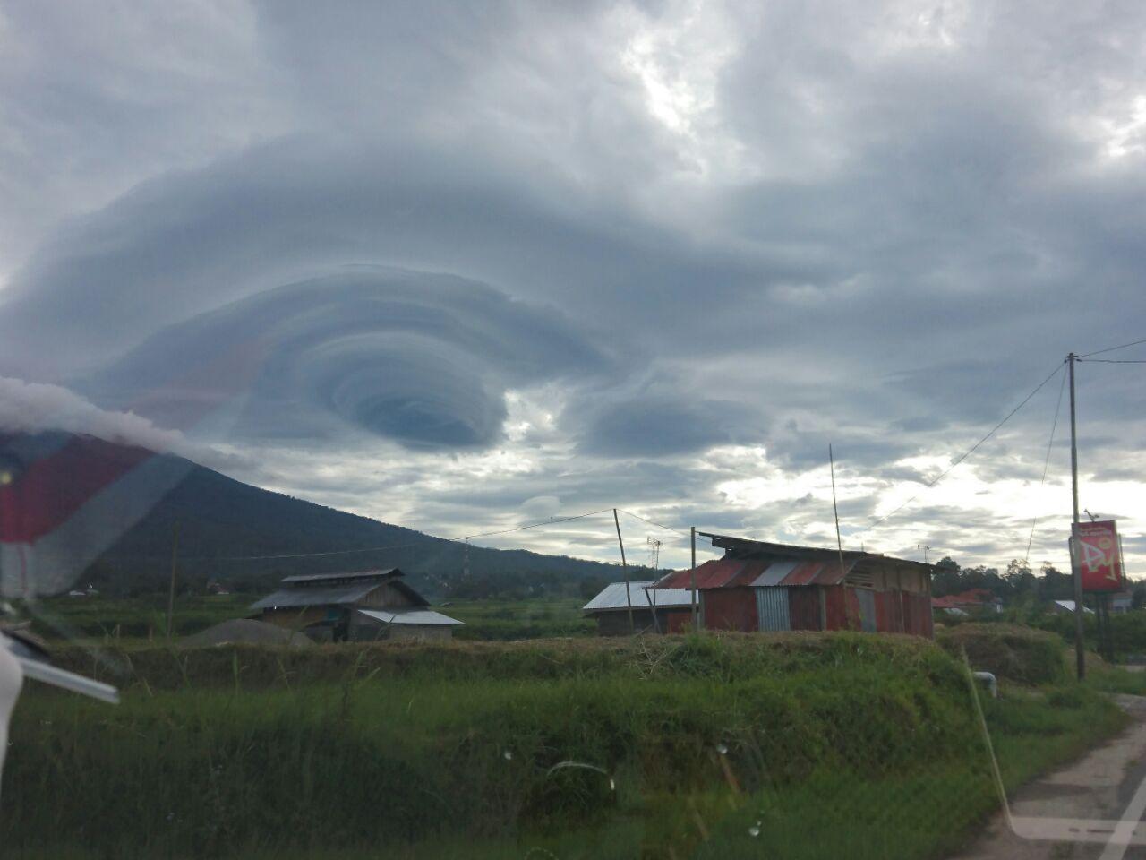 Fenomena awan dilangit