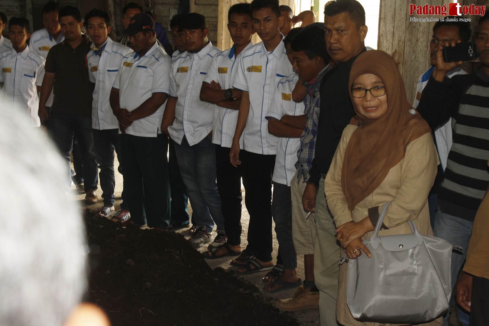 Bertandang ke Andalas Hijau, Petani Riau Dibekali Wawasan Pembuatan Pupuk Organik