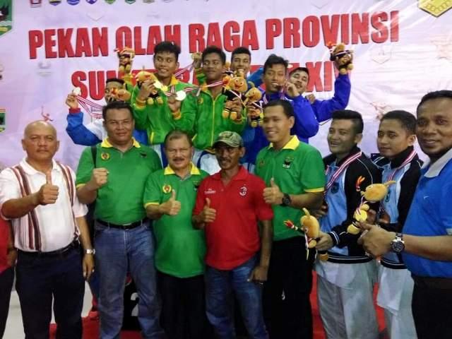 Bupati Padang Pariaman H Ali Mukhni tetap memberikan apresiasi kepada segenap atlit, pelatih, offical dan para pengurus cabang olahraga di Padang Pariaman