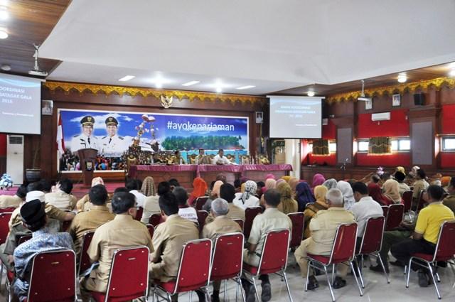 Wako pimpin rapat persiapan Batagak Gala