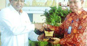 Rektor UNP Prof Ganefri dan Kepala Badan Kependudukan dan Keluarga Berencana Republik Indonesia Surya Chandra Surapaty