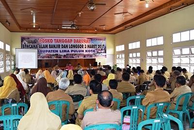 Bupati Irfendi Arbi membuka Forum Gabungan OPD di ruang Sidang Dinas Kesehatan