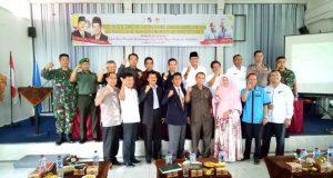 Pengurus KONI bersama Bupati Limapuluh Kota dan Ketua KONI Sumbar Syaiful SH MHum