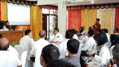 Bupati mempresentasikan langsung program-program pencegahan aksi korupsi.
