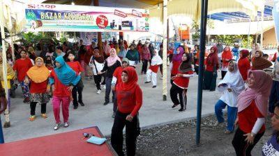 Giat RT 03 RW 14 Pola Mas, Jalan Santai, Senam Pagi dan Bazar Kado Kreatif Ramadhan buat Warga