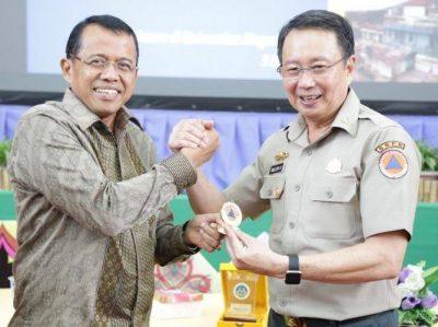 Kuliah Umum Bersama Willem Rampangilei, Pendidikan Kebencanaan Didukung BNPB