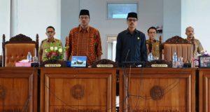 Bupati Limapuluh Kota H Irfendi Arbi dan Ketua DPRD Safaruddin Dt Paduko Rajo