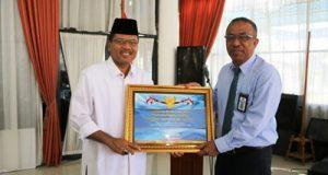 Bupati Irfendi Arbi Terima Penghargaan Lagi, dari Menteri Keuangan