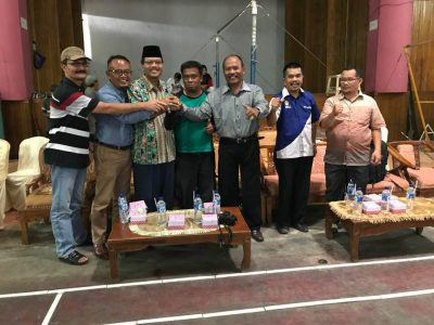Harapkan Lahir Atlet Taekwondo Internasional, TI Limapuluh Kota Geber Kejuaraan. Bupati H Irfendi Arbi bersama Ketua TI Sumbar Drs Handrianto.