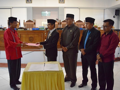 Seluruh Fraksi DPRD Limapuluh Kota Setujui APBD-P TA 2017