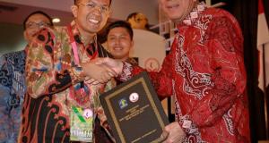 Wawako Erwin Yunaz terima Penghargaan Kota Peduli Hak Asasi Manusia (HAM)