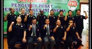 Erizal Azhar dan Pengurus PP FHI yang dilantik oleh Ketum KONI Tono Suratman.