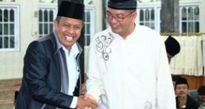 Ketua DPRD Payakumbuh YB. Dt. Parmato Alam dan Walikota Pyk Riza Falepi ketika menghadiri acara Maulud Nabi Besar Muhammad SAW