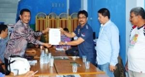 H Wilman Singkuan mendaftar menjadi bakal calon Bupati Limapuluh Kota.