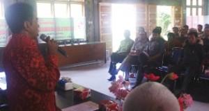 H Asyirwan Yunus Memberikan Sambutan Kepada Penyuluh BP3K se-Kabupaten Lima Puluh Kota