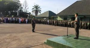 975 Orang, 16 Asrama Militer se-Garnizun Padang Apel Luar Biasa Di Halaman Makorem