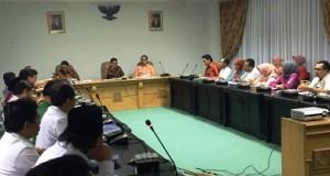 Gubernur Sumbar Prof Irwan Prayitno rapat dengan SKPD