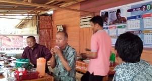 H Almaisyar Datuak Bangso Dirajo Nan Kuniang bersama Ketua PWI Yusrizal AMa