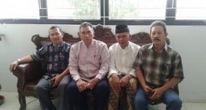 Ketua Komisi A DPRD Payakumbuh Fitrial Bachri, Kadisdukcapil Payakumbuh Mediar Indra, Anggota DPRD HI Dt Rajo Muntiko Alam, dan Kasi Pelayanan Jon Abrar