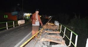 Jembatan Pinamang Rusak Berat, Irfendi Imbau Pengendara Hati-Hati
