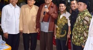 Profesor Ganefri bersama Bupati Irfendi Arbi dan Wakil Bupati Ferizal Ridwan