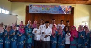 Bupati Irfendi Arbi foto bersama dengan pengurus Forikan Kabupaten Limapuluh Kota