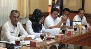 Raker Pansus II DPRD Payakumbuh dengan Kadis Kependudukan dan Catatan Sipil Membahas Ranperda Retribusi dan Jasa Umum