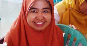Ketua Tim Penggerak PKK Kelurahan Payobasung Dr. Silvia Rosja Irwan